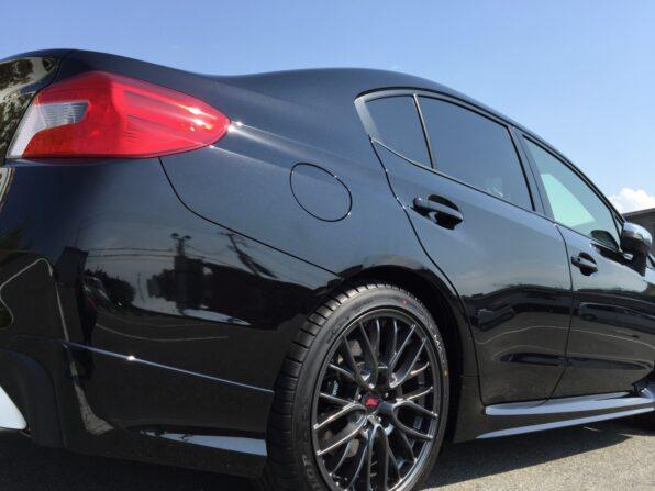 USC Premium 360 施工後の新車WRXをローアングルで撮影