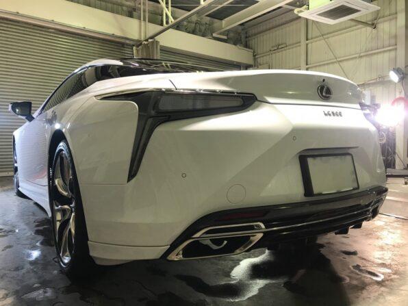 ウルトラストロングコートPremium360 施工後の Lexus LC500 斜め後ろから