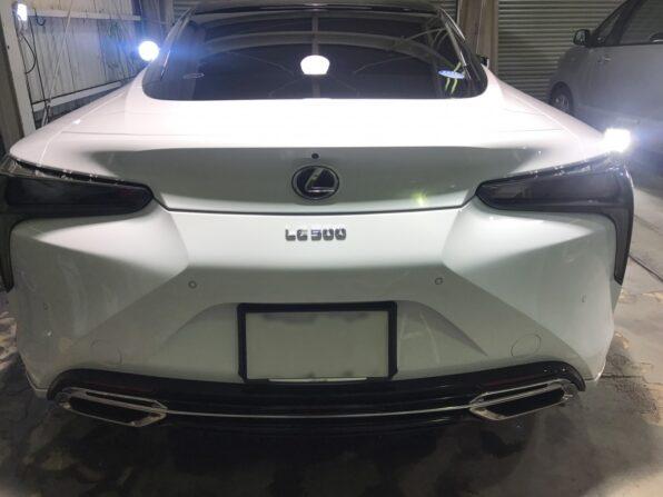 ウルトラストロングコートPremium360 施工後の Lexus LC500 後ろから