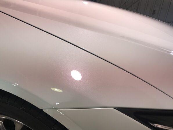ガラスコーティング「ウルトラストロングコートPremium360」を施工した塗装面アップ