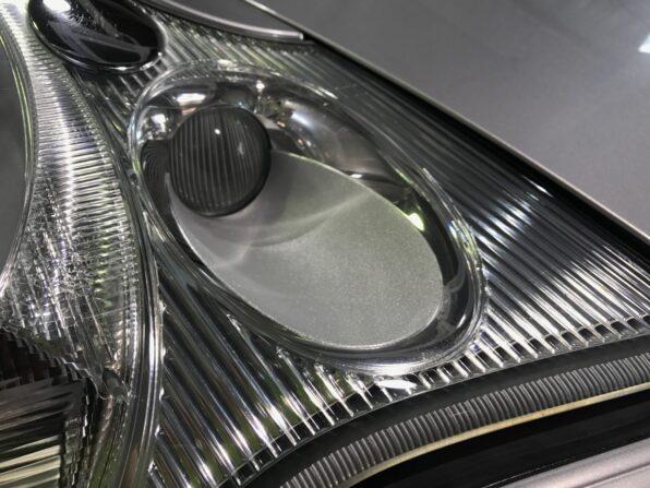 欧州車・ポルシェカレラのヘッドライトの黄ばみ取り 施工後2