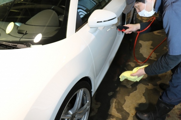 洗車後にエアーブロー
