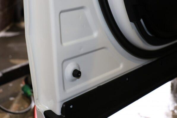 ドア内側の塗装面もガラスコーティングで保護