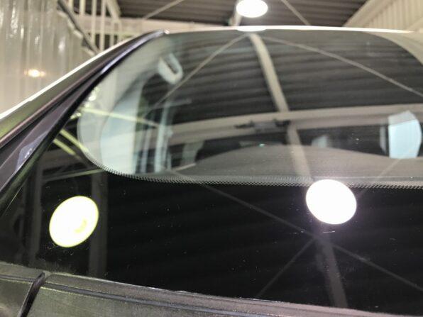 窓ガラスのウロコ除去 施工前