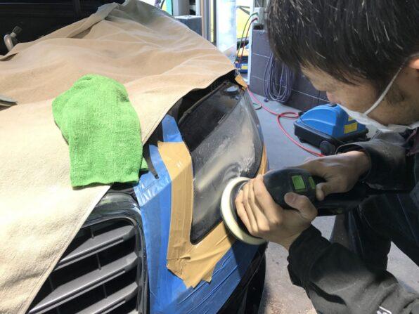 ヘッドライト研磨で傷を消す 2